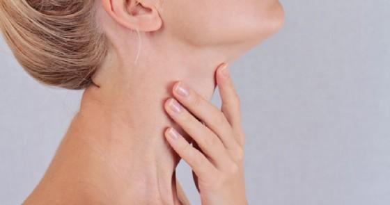 collo tiroide Albina Glisic Shutterstock